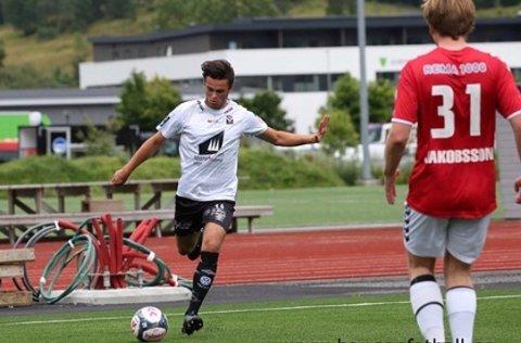 Ny Ril-spiller: Marius Naustdal Storevik fra Førde er Randaberg siste tilskudd. Han vil gjerne bidra på a-laget i fjerde divisjon.
