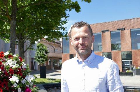 Gleder seg: Ordfører Jarle Bø (Sp) gleder seg til sol, sjø og sommer.