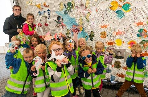 LYKKELITEN BARNEHAGE: Ifølge Brønnøysundregistrene har Lykkeliten SA fått ny daglig leder. Bildet er fra 2019 da barnehagen pyntet i Byteltet før Fiskeriets dag.