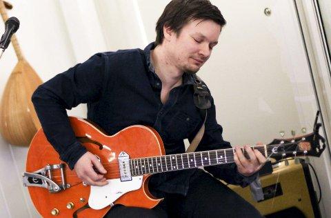 Solo: Bildet er frå ein konsert Steinar Karlsen heldt på Svanøy i januar i år.