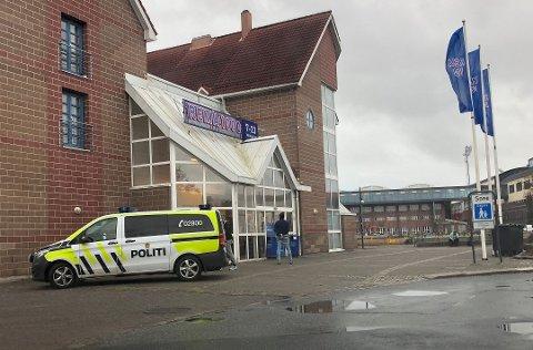 27. september mistenker politiet at mannen ranet Rema 1000 på Evjekaia i Fredrikstad. Han ble pågrepet kort tid senere.