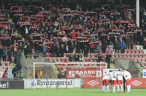 Solid støtte: FFK får garantert solid støtte fra tribunen i det som blir det første serieoppgjøret mot Moss på mange år. (Foto: Geir A. Carlsson)