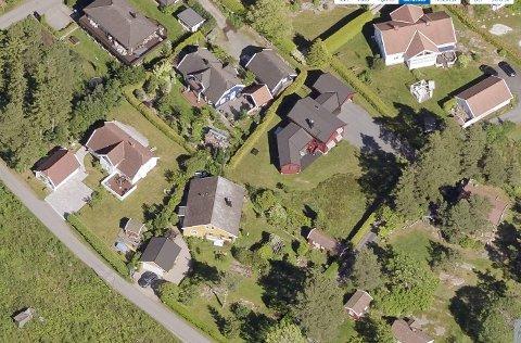 Boligen til Oslo-paret har adresse i Gamleveien i Saltnes og ligger i eksisterende boligområde i kommunedelplan for Saltnesområde.