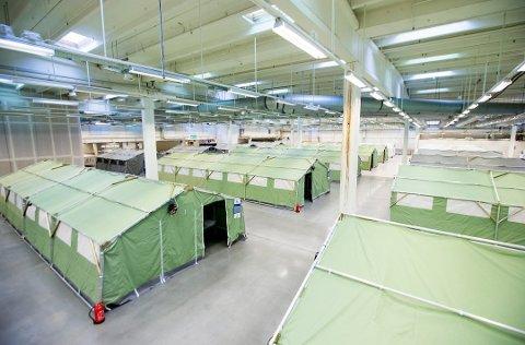 TESTET: Alle asylsøkerne på ankomstsenteret i Råde er testet. De må testes på nytt mandag.