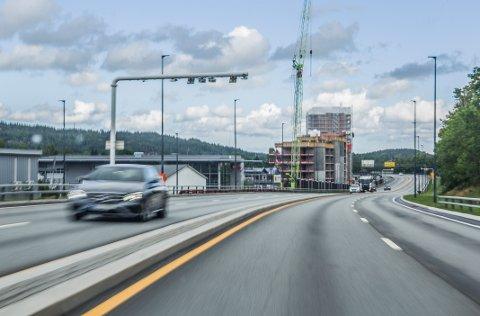 TAS NED? Bompengeinnkrevingen rundt Fredrikstad sentrum startet da strekningen Simo - Ørebekk åpnet for trafikk. Om strekningen blir nedbetalt før finansieringen av neste fase er på plass, vil innkrevingen stoppes.