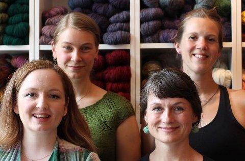 Tre Sneller og et Hespetre (fra venstre: Kristin Carlsson, Carin Funseth, Laila Henriksen, Marthe Burgess.)