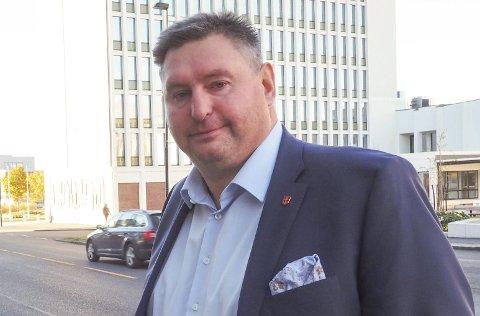 Ordfører Rune Edvardsen vil ikke at alpinfesten skal bli ødelagt av p-bøter - og betaler tilbake 14.400 kroner.