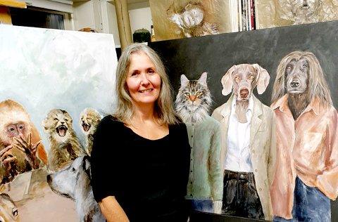 DYRENE: Emmy Harnes viser sine bilder i Galleri Verftsporten.
