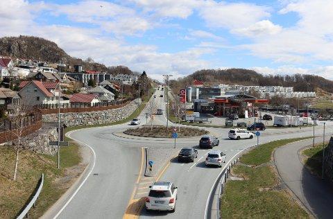 E39 mellom Ålgård og Skurve er blant strekningene som skal få ny asfalt.