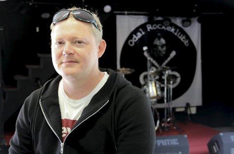 Remi Brodal og Odal Rockeklubb trår til med vinylmesse - den aller første noensinne i Odalen.