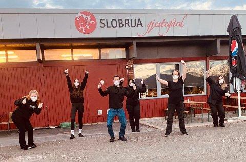 TILBAKE: Slobrua opplevde alle serveringssteders mareritt. Nå har de satt inn enda flere tiltak, og ønsker igjen velkommen.