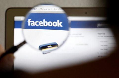 Facebook har snudd i spørsmålet om det ikoniske bildet fra Vietnamkrigen.