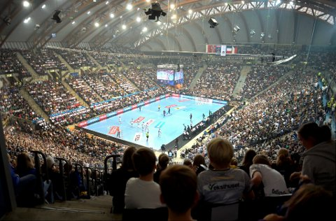 12.377 tilskuere i Håkons Hall lørdag gjør at muligheten for å få EM-sluttspillet for kvinner i 2020 til Lillehammer er langt større enn tidligere.