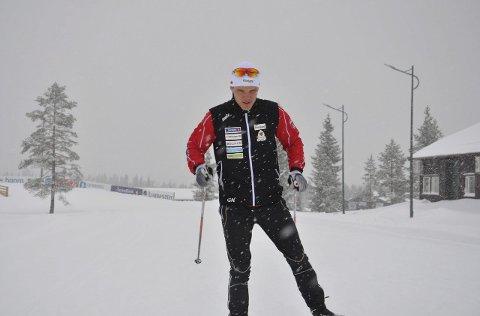 HJEMMEBANE: Gjermund Nilsen er klar for to renn i helga. Torsdag var det stort snøfall på NM-arenaen.