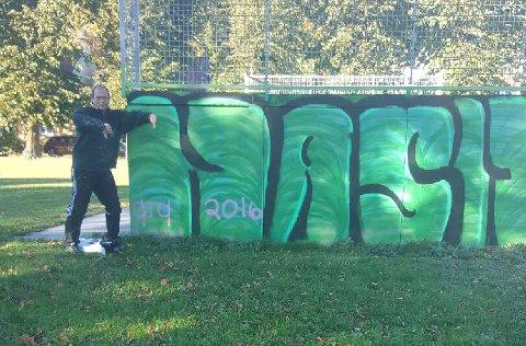 FØR: Slik så graffitien ut før den ble malt over.