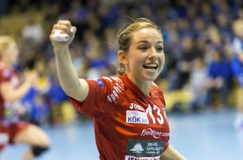 I DET BLÅ: Melanie Felber har spilt i HHK i tre sesonger og scoret mange mål. Nå er framtiden usikker. Foto: Hans Petter Wille