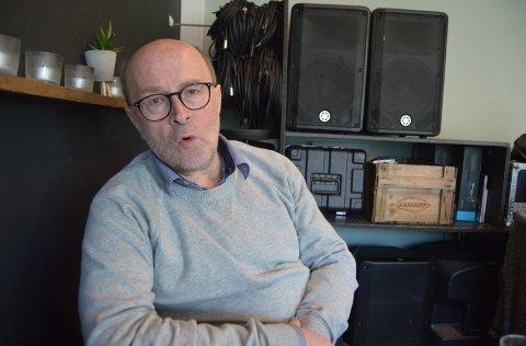 Opera og golf: - Det var faktisk under et golfslag i forbindelse med avskjedsfesten til Aage i slutten av april 94, at idéen om opera på festningen ble født, sier Espen Sørås.