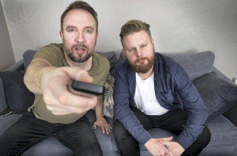 SKRAVLER OM TV: Bernt Hulsker og Marius Skjelbæk danner et slagkraftig par i årets sesong av «Sofa» på Tv2.