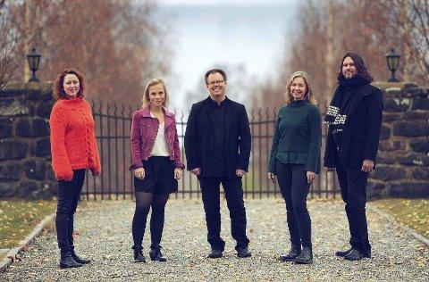 MORGENKONSERT: MjøsFolk holder lørdag morgenkonsert på Domkirkeodden.
