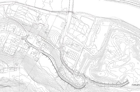 Hjøllo: Den planlagte vegen til boligområdet vil starte like ved parkeringsplassen til Laastad & Co. - I utgangspunktet var det snakk om kun en midlertidig veg, men jeg tror den nye traseen mest sannsynlig blir en permanent løsning, forteller Eirik Lia, avdelingsingeniør i Odda kommune.illustrasjon: Odda kommune