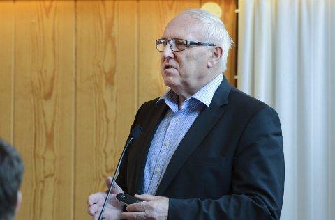 Einar Lutro: Styreleiaren i Hardangerbrua AS presenterte trafikktal og økonomi til kommunestyret i Eidfjord i mars 2015.