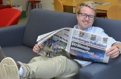 Redaktør: Eivind Dahle Sjåstad seier at Hardanger Folkeblad skal gje lesarane eit like godt produkt om sommaren som elles i året.