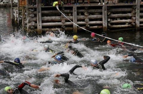 Tilbake: Eidfjord Mini Triathlon er tilbake som Eidfjord Xpress Aquathlon i 2019. Her frå førre utgåve i 2017. Arkivfoto: Sondre Lingås Haukedal