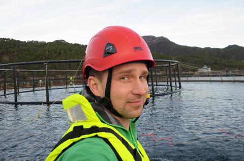 I GANG MED PLANLEGGING: Lars Wasa Andersen, salgsspesialist havbruk i ABB, mener det er realistisk å helelektrifisere lokaliteten raskt.