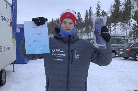 PREMIE: Det ble en meget sterk 22. plass i Hovedlandsrennet på Morten Hjørnerød, Mosjøen IL.  FOTO: PRIVAT