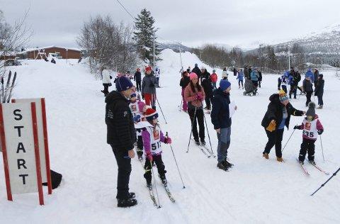 PERFEKT: I fjor var det mer enn nok snø under Romjulsrennet på Granmoen. Lørdag blir det ikke renn, og Drevja IL utsetter.