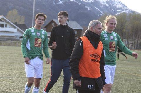TREKKER SEG: Kjell-Erik Påsche var trener for Olderskog IL i fjorårssesongen, og i år hadde han både A-laget og G16.