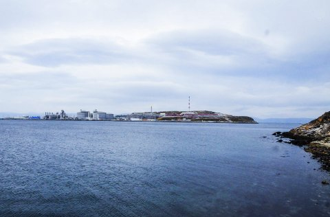 MELKØYA: Den sterke fremgangen for Hammerfest henger sammen med ringvirkninger knyttet til ilandføringsanlegget for gass på Melkøya. Foto: Kristian Østvik