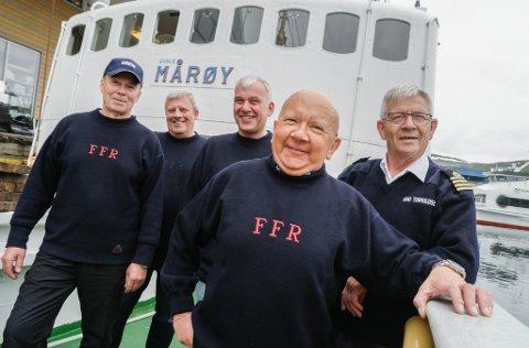 FRA TUREN TIL SVALBARD I 2017 : Maskinist Tor Arnesen (64), stuert Stein Ivar Pedersen, maskinpasser, matros og skipslege, Pal Ivan (58), styrmann Per Gunnar Mikkelsen (58) (tidligere eier og reder), kaptein Odd Torkildsen (70)