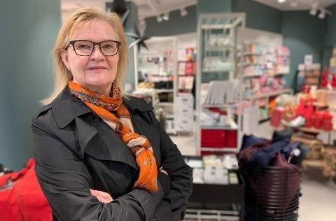 Kjersti Hobøl har akkurat fullført sitt første år som sjef for Nille. Før DNB overtok butikkkjeden i fjor, hadde pengene rent ut av butikkjeden i en faretruende fart. Nille har i dag tre butikker i Finnmark.