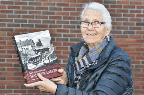 NY BOK: Grete Brustad Nilsen fra Ørje er forfatteren bak «Kulturminner langs Haldenkanalen».Foto: Øyvind Henningsen