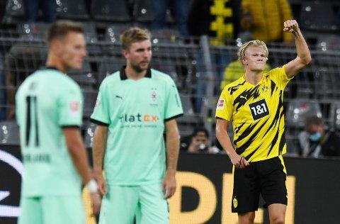 STRÅLENDE: Erling Braut Haaland feirer sin andre scoring mot Borussia Mönchenbladbach i Bundesliga-åpningen i helgen.