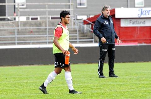 MØTES IGJEN: Cairo Lima (t.v.) sammen med trener Jan Halvor Halvorsen på Bryne-trening sist uke. Lørdag spiller Lima for Hinna mot Bryne.