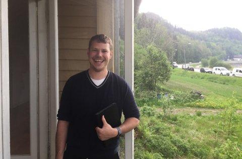 FORNØYD: Megler Øivind Gunhildstad i Meland & Partners fikk usedvanlig mange treff på boligannonsen.