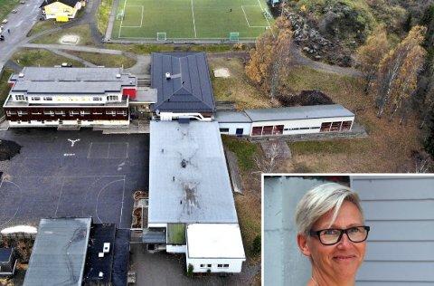 SMITTE PÅ BOTNE: Rektor Kjerstin Sjøblom forteller tat det blir hjemmeundervisning på 1. klassingene deres i karanteneperioden.