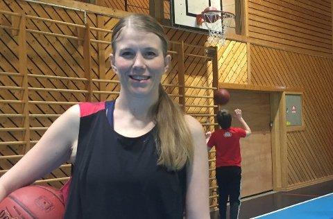ERFAREN SPILLER: Kari Rasmussen Theting har selv spilt i eliteserien.