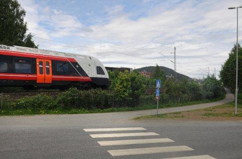 Omtrent her skal det bygges ny undergang fra Gamle Drammensvei og ned til Sildetomta. Det slo utvalg for miljø og utvikling fast mandag kveld.