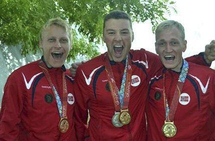 GULLJUBEL: Kim-André Aannestad Lund (t.v.), Ole Kristian Bryhn og Odd Arne Brekne kunne juble for nytt VM-gull i Sveits.
