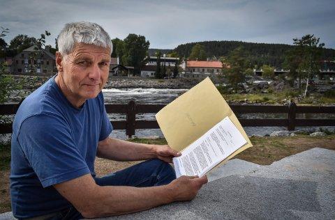 KRITISK: Øyvind Stranna Larsen i Naturvernforbundet er kritisk til prosessen der kommunen ønsker å redusere minstevannsføringen.