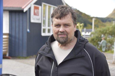 BARN OG UNGDOM: Terje Angelsen skiftet kurs fra skipper og fisker til å jobbe med barn og ungdom da helsa sviktet. I dag er han i farta som bare det på Ramberg skole.