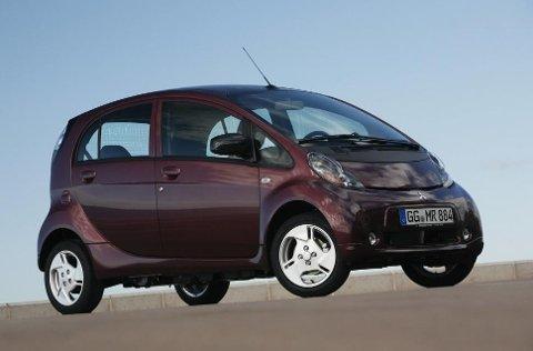 Mitsubishi var svært tidlig ute med elbil. Denne har solgt bra i Norge. Men rask er den ikke!