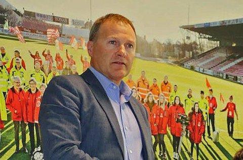 - Det var så stille som jeg aldri har hørt i en garderobe før, forteller TIL-styreleder Stig Bjørklund etter nedrykket.