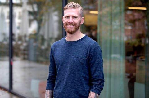 TREVLIG KILLE: Fredrik Björck var sentral på et sterkt TIL-lag for 8-10 år siden. I podkasten JoMos Kosmos leverer han interiørtips, hatmeldinger til en norsk klubb og forklaringen på hvorfor han som fotballtrener helst står over å se på fotballkamper.