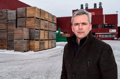 FORTSETTER: Ordfører Bror Helgestad (Sp) sier til OA at det skal mye til for at ikke de strenge tiltakene i Østre Toten skal videreføres som bestemt til søndag 11. april.