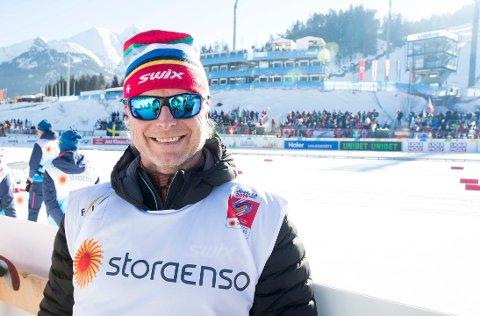 PASSER VEKTA: Åge Skinstad er gjest i den andre episoden av podkasten Sport og mere.