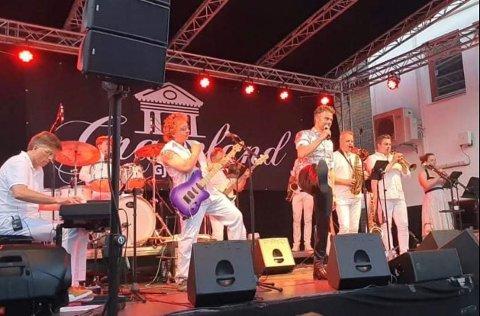 Graceland Gjøvik i bakgården Kaffka 3.juli